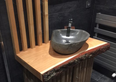 salle-de-bain-douche-italienne-lavabo-pierre