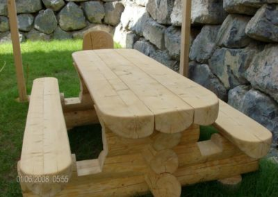 table-rondin-chalet-bois
