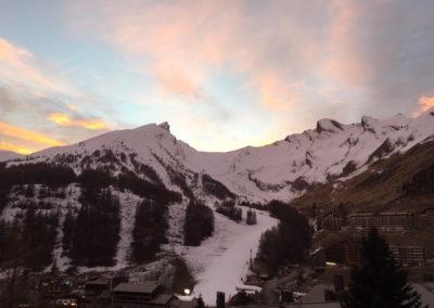 vue-montagne-alpes-chalet-spa